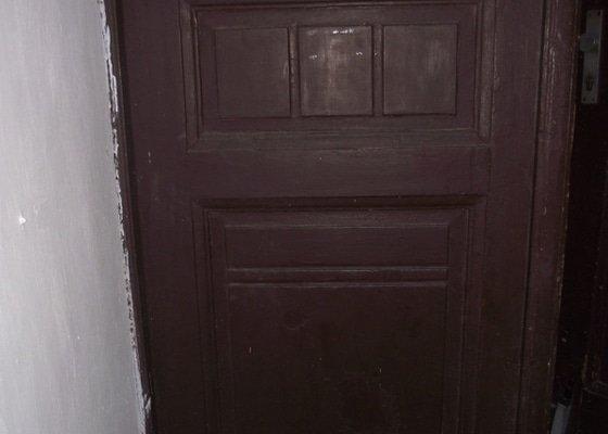 Výroba a instalace 3 dvoukřídlých dveří (replika)