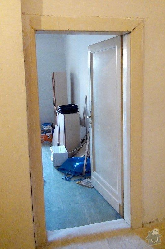 Dvoje dřevěné zárubně k činžovním dveřím: dvere_puvodni-1