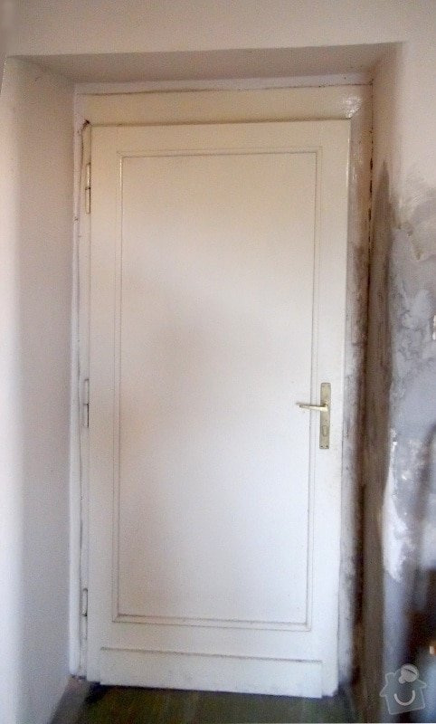 Dvoje dřevěné zárubně k činžovním dveřím: dvere_puvodni-2