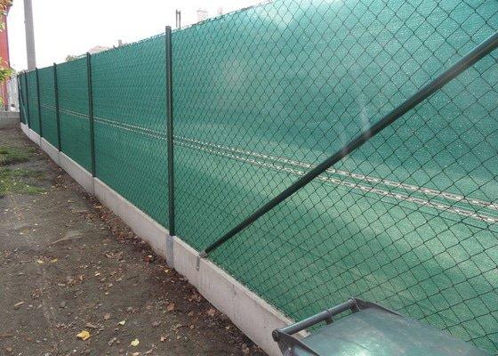 Postavení plotu z podhrabových desek