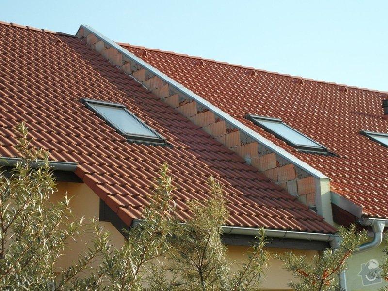 Zedník - stavitel, k výstavbě zídky mezi střechami v řadovém RD a její oplechování: 01