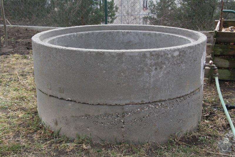 Dodělávka studny - dřevěný dekl a nástřik beton. skruží: IMG_0090