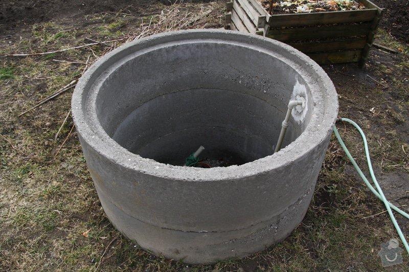 Dodělávka studny - dřevěný dekl a nástřik beton. skruží: IMG_0092