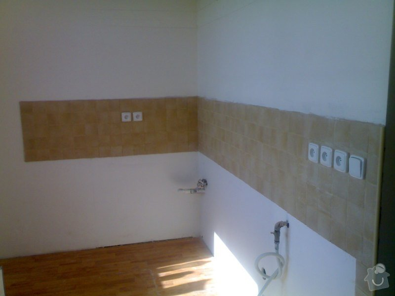Položení plovoucí podlahy: 290720111001