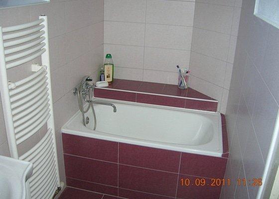 Rekonstrukce koupelny a chodby