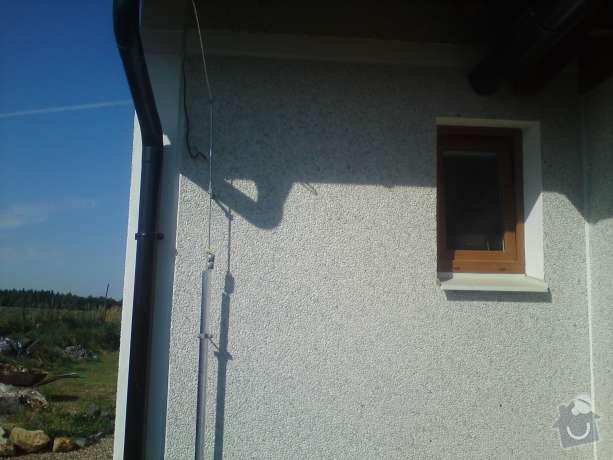 Montáž nového hromosvodu na rodinném domu: DSC00578