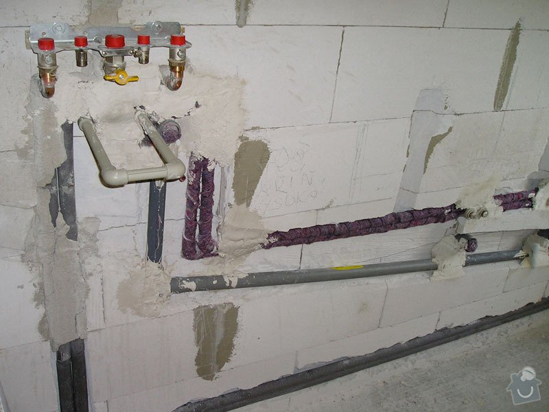 Vybudovat nové radiátorové topení v RD.: stavba1