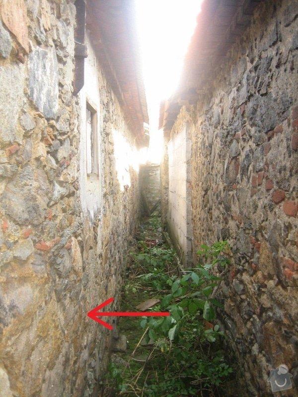 Poptávám izolaci od zemní vlhkosti u domu s kamenným zdivem (34 m2): IMG_4561