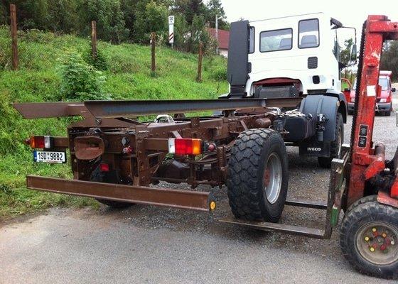 Nástavba na rám nákladního automobilu