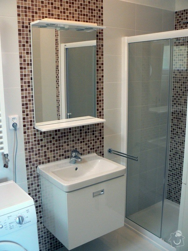 Kompletní rekonstrukce koupelny a WC v cihlovém domě v 6.NP : P1030638_R