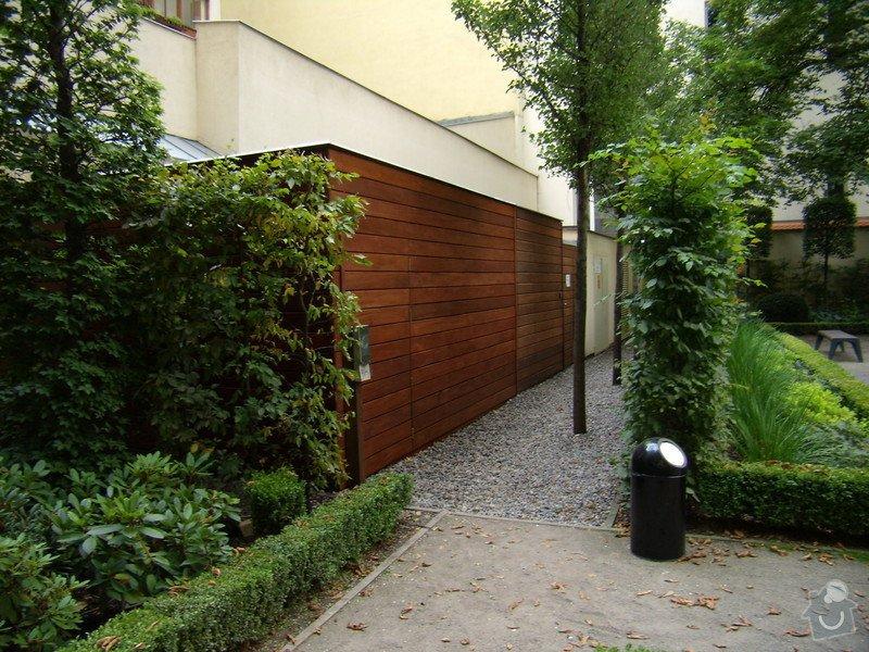 Kempinski Hotel  vyroba zahradniho domku.: P8042496