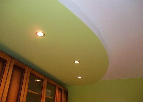 SDK stropy a nepřímé osvětlení