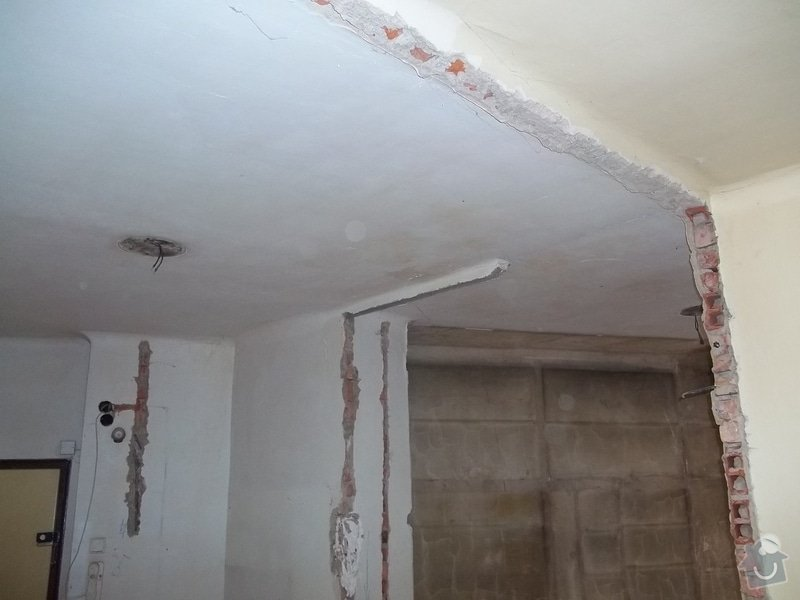 Snížené podhledy pro elektro-rozvody: 104_0305