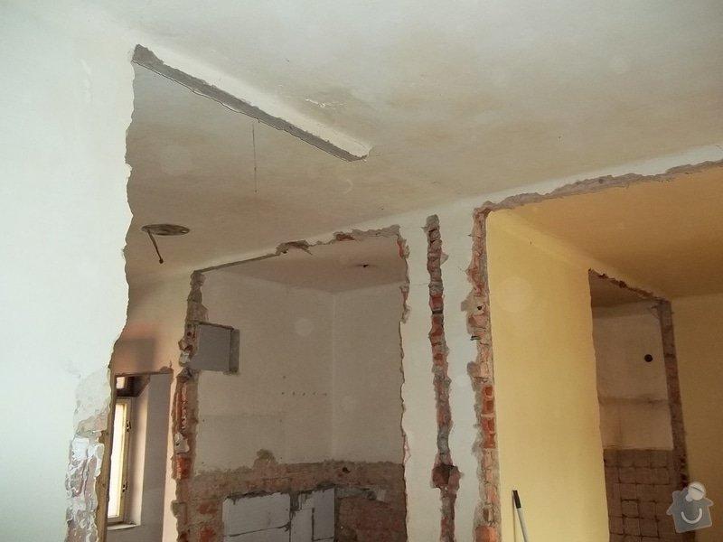 Snížené podhledy pro elektro-rozvody: 104_0306