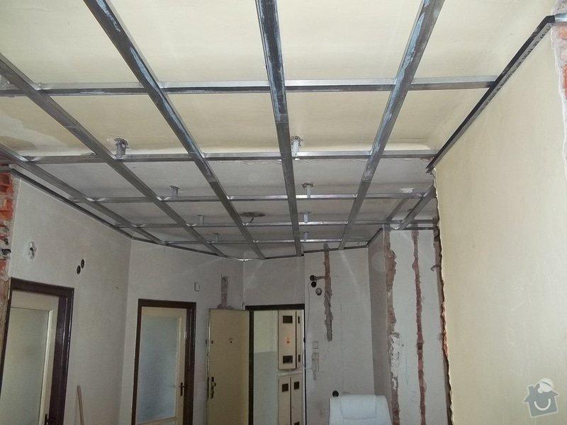 Snížené podhledy pro elektro-rozvody: 104_0309