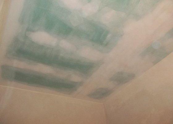 Snížený podhled v koupelně