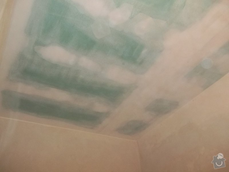 Snížený podhled v koupelně: 104_0581