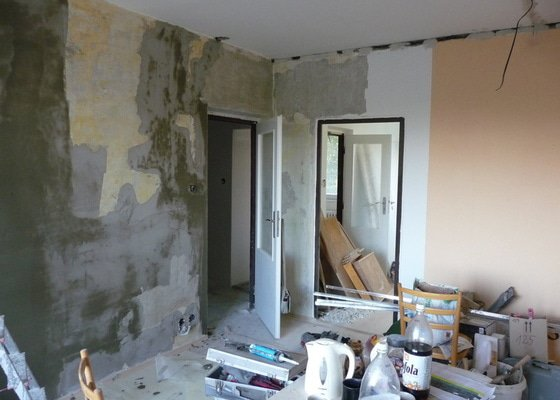 Rekonstrukce bytu 2+1 - bourací práce, jádro, podlahy
