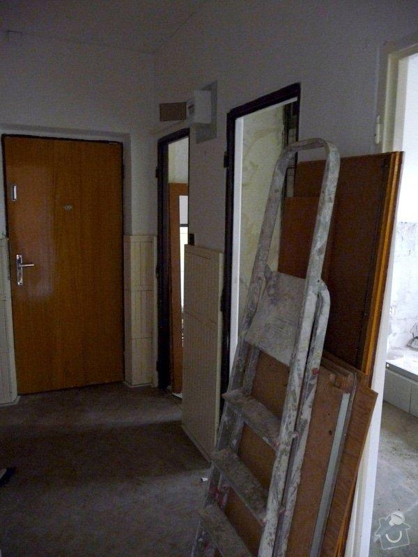 Rekonstrukce bytu 2+1 - bourací práce, jádro, podlahy: 51_chodba_vybourano