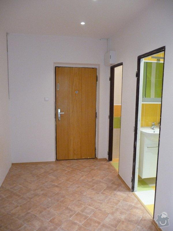 Rekonstrukce bytu 2+1 - bourací práce, jádro, podlahy: 52_chodba_hotovo