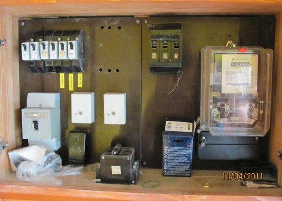 Malířské, elektroinstalační a sádrokartonářské práce v domě