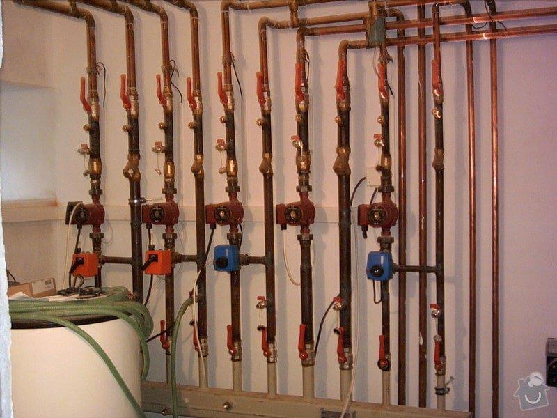 Dodávky a montáže ústředního topení a vody: rozdelovac