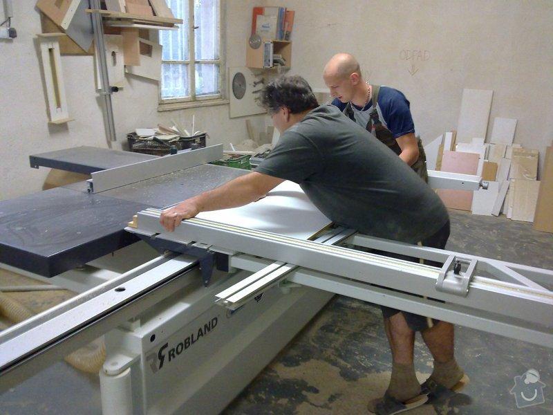 Výroba atypického stolu ve tvaru střechy: 19092011231