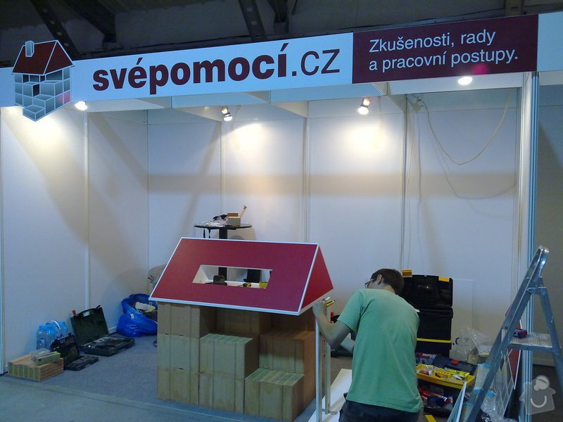 Výroba atypického stolu ve tvaru střechy: 20092011246