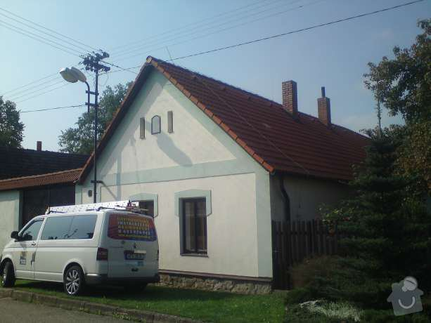 Montáž nového hromosvodu na rodinném domě: DSC00601