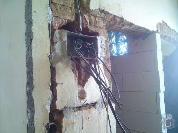 Elektroinstalační práce v bytě 1+1: DSC00504