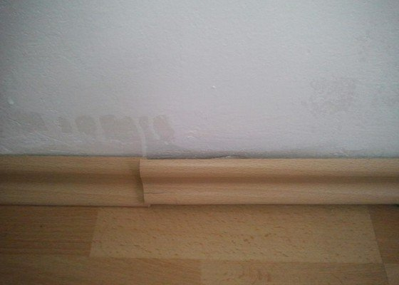 Oprava lišty u podlahy