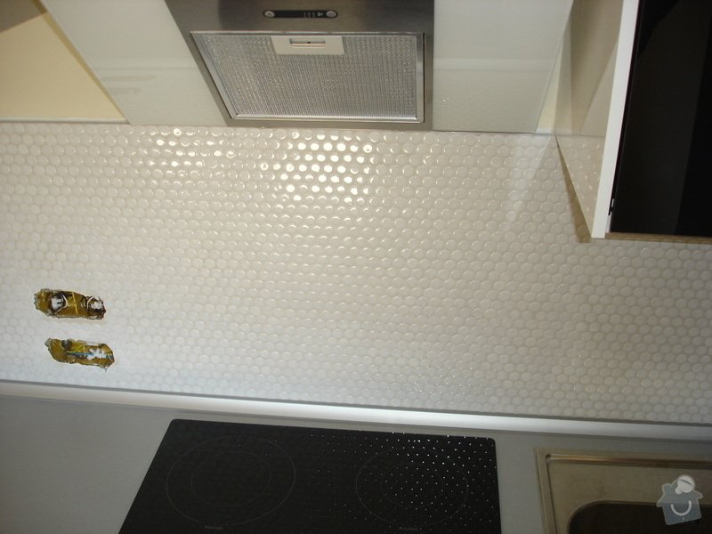 Nový obklad pod kuchyňskou linkou: DSC09706