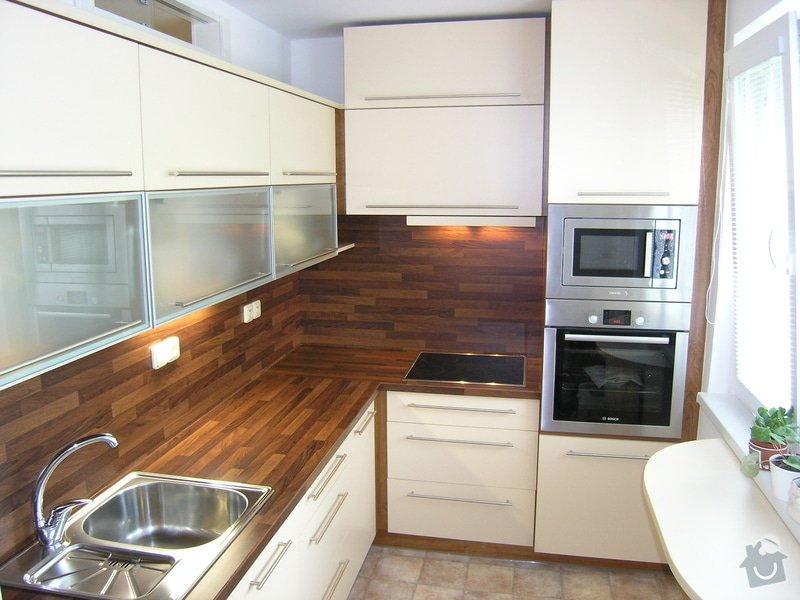 Kuchyně, vest. skříň: P6260986