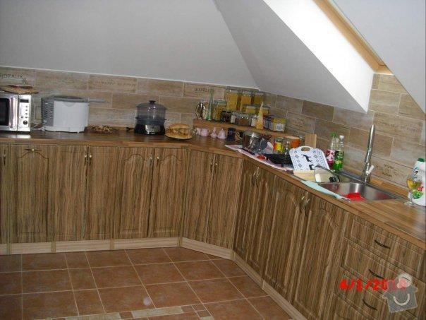 Kuchyňská linka do podkrov: kuchyn_petra