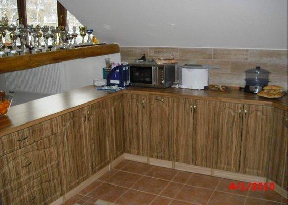 Kuchyňská linka do podkrov