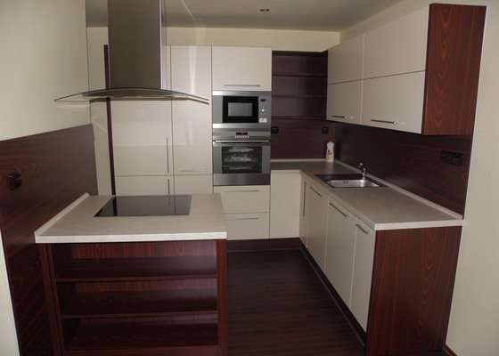 Rekonstrukce celého bytu 3+1 a výroba kuchyně,