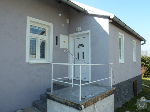 Renovace fasády, zhotovení plotu, zámkové dlažby, pergola: P1030966