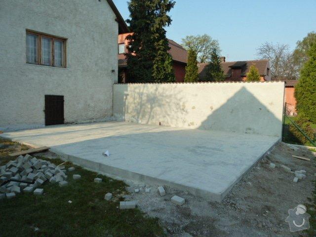 Renovace fasády, zhotovení plotu, zámkové dlažby, pergola: P1040319