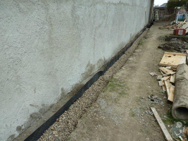Oprava fasády, zámková dlažba: P1040144