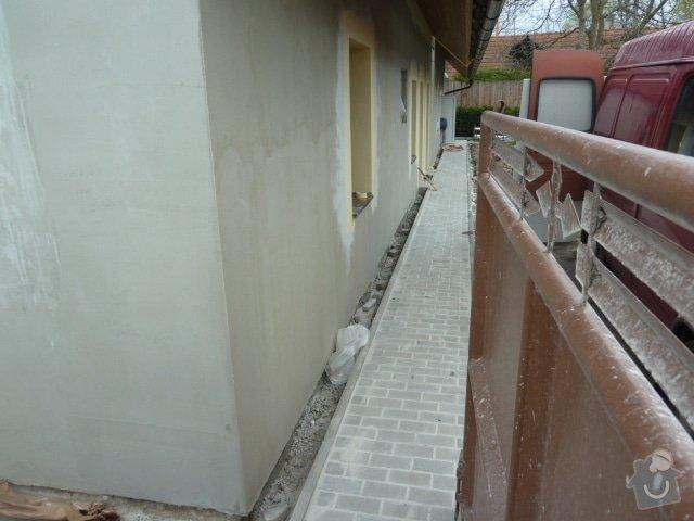 Oprava fasády, zámková dlažba: P1040201