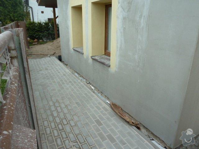 Oprava fasády, zámková dlažba: P1040200
