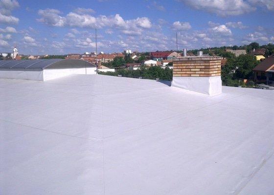 Izolace střechy na firmě ESTA, spol. s r.o. Ivančice