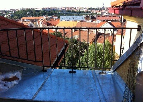 Klempířské práce, oplechování části terasy, cca 4m2.
