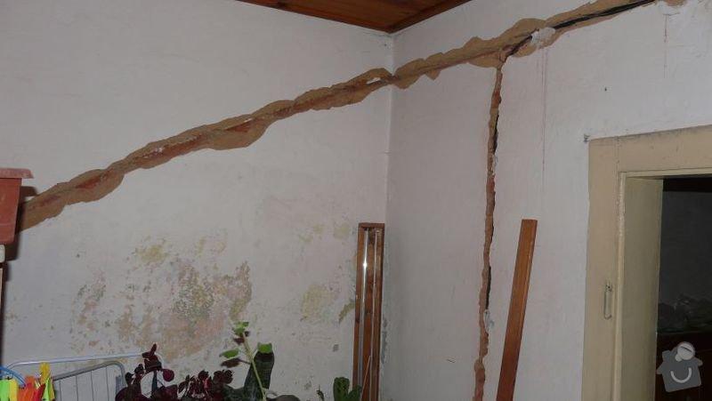 Zednické začištění oken (9), oprava vnitřních omítek (56m2): pokoj11
