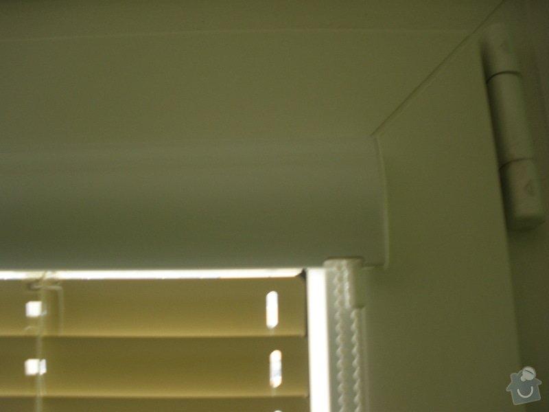Dodávka a montáž parapetů a žaluzií: PA130437