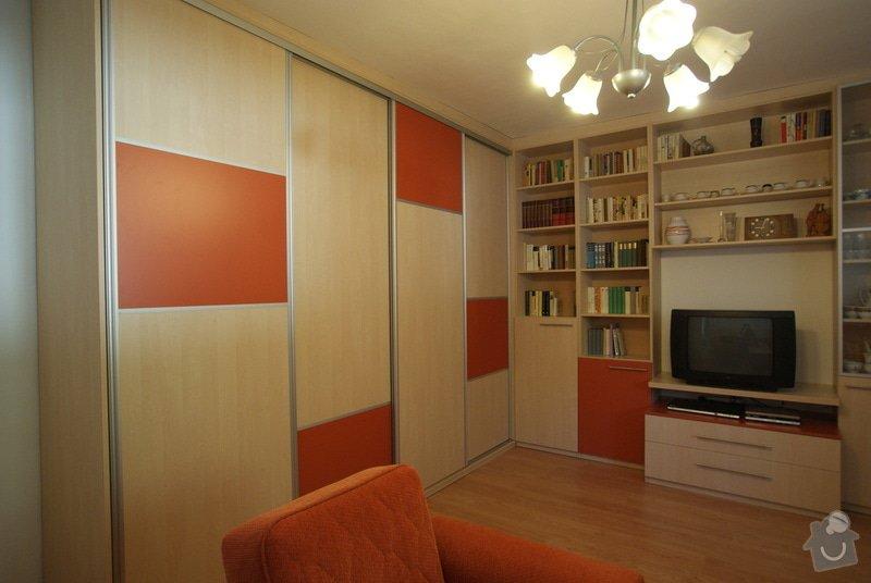 Obývací pokoj-knihovna, vestavěná skříň, pracovní místo, konf. sůl: DSC00712