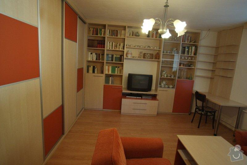 Obývací pokoj-knihovna, vestavěná skříň, pracovní místo, konf. sůl: DSC00713