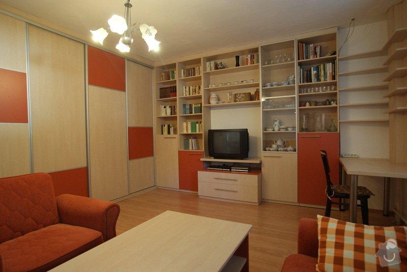 Obývací pokoj-knihovna, vestavěná skříň, pracovní místo, konf. sůl: DSC00714