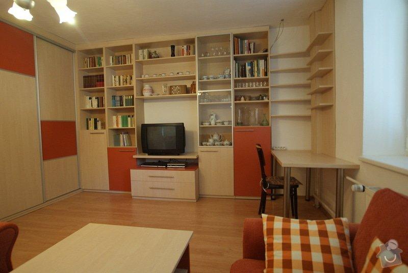 Obývací pokoj-knihovna, vestavěná skříň, pracovní místo, konf. sůl: DSC00715