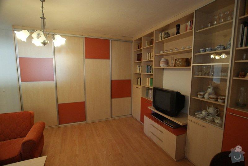 Obývací pokoj-knihovna, vestavěná skříň, pracovní místo, konf. sůl: DSC00716